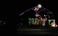 Dope-This-House-Is-Killing-It-With-The-Dubstep-Christmas-Light-Show-2013-Sexy-and-I-Know-It